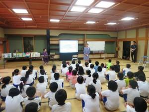 8月24日 4年生が「三戸町おはなし会」に行ってきました。